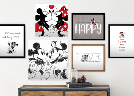 Pop Classics Mickey & Minnie Decor Image